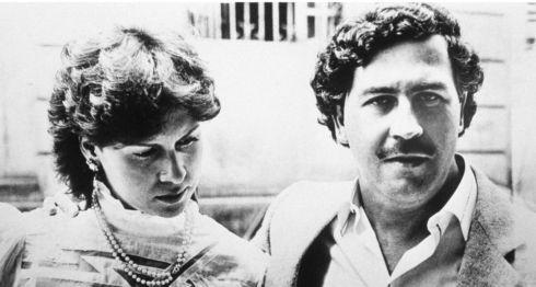 El narcotraficante Pablo Escobar Gaviria junto a su esposa, María Victoria Henao.Getty Images