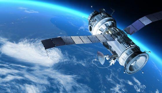 ¿Sabes cuántos satélites giran alrededor de la Tierra?Getty Images