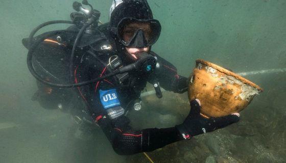 Buzos especializados han encontrado más de 10.000 objetos en el lago Titicaca.Ministerio de Cultura de Bolivia