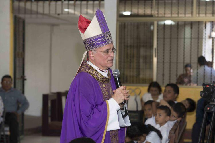 Monseñor Silvio Báez, dijo que la judicialización de la política es una manera de venganza que afecta la paz social
