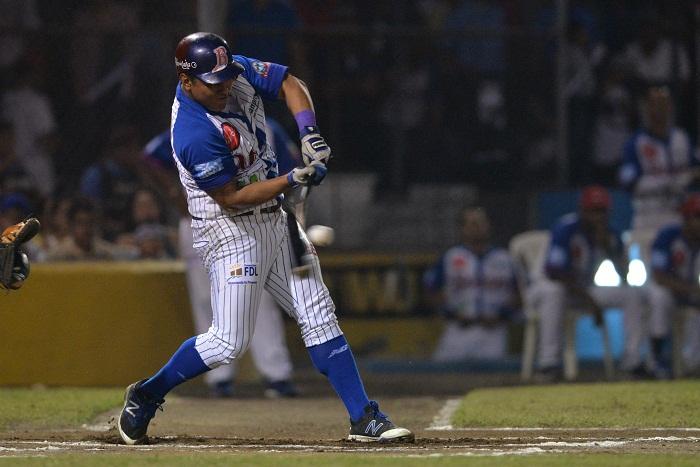 Javier Robles dio su quinto cuadrangular y sumó a la victoria del Bóer frente a los Tigres de Chinandega ayer en la Liga de Beisbol Profesional Nacional. LA PRENSA/JADER FLORES