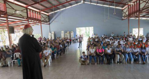 Bendicion oficial del Cardenal Brenes a los jovenes que participaran en la jornada mundial de la juventud en Panama. Foto Jader Flores/ LA PRENSA