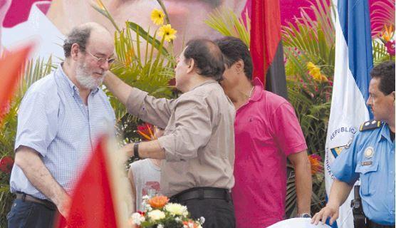 Repliegue del 2008, cuando Rafael Solís y Daniel Ortega coincidían en la confusión Estado-partido-familia de la dictadura.