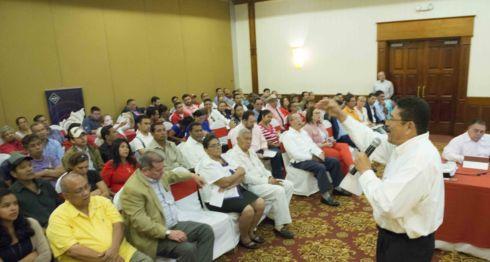 PLC, Ley de democratización, diálogo nacional, Unidad Nacional Azul y Blanco