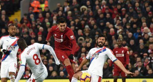 Roberto Firmino marcó el gol que al final dio la victoria al Liverpool sobre el Crystal Palace este sábado. LA PRENSA/AFP / Paul ELLIS