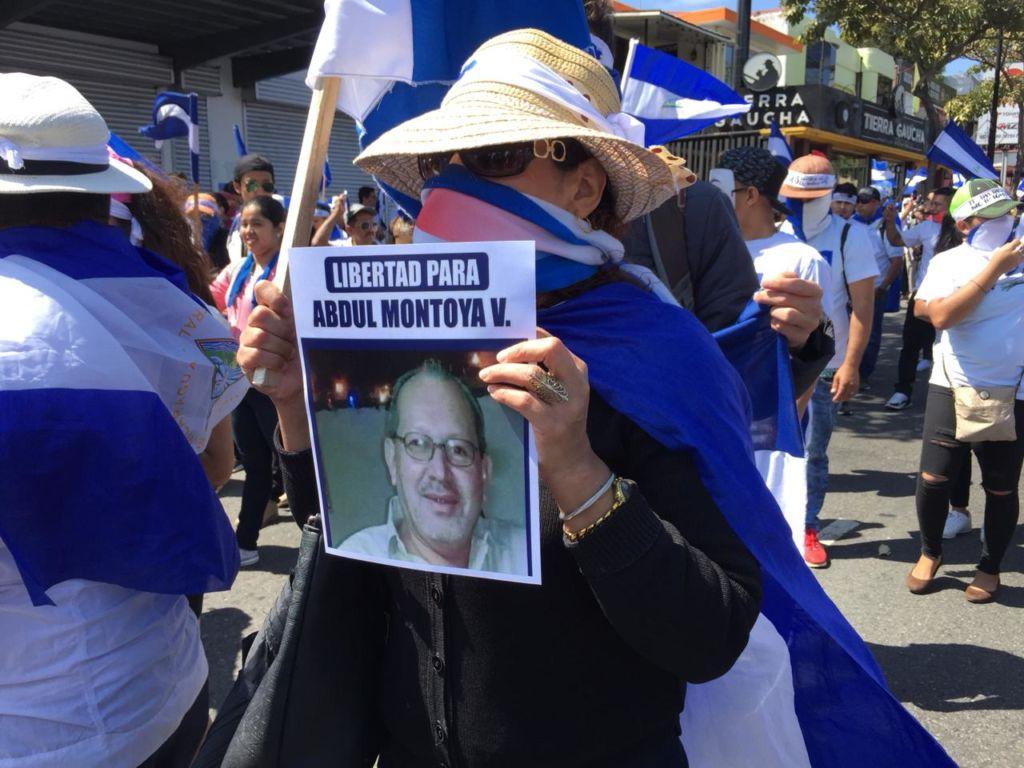 Los manifestantes, que exigen la renuncia del dictador Daniel Ortega, recorrieron las calles de San José, la capital costarricense, gritando consignas, demandando justicia para las familias de las víctimas y pidiendo libertad para quienes están encarcelados. LA PRENSA/ GERALL CHÁVEZ/ CORTESÍA