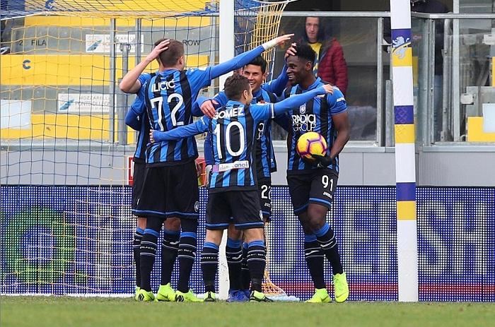 El colombiano Duván Zapata marcó tres goles para el Atalanta este domingo en la Serie A italiana. LA PRENSA/EFE/EPA/FEDERICO PROIETTI