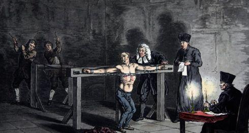 El decreto de expulsión de los judíos de España fue redactado por la autoridad máxima de la Inquisición, Tomás de Torquemada, en el marco de la persecución brutal de ese grupo religioso durante décadas.Getty Images