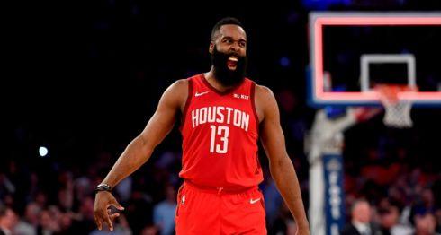 James Harden anotó 40 puntos este domingo en el partido que los Rockets de Houston ganaron frente a los magic de Orlando, este domingo en la NBA. LA PRENSA/AFP/GETTY IMAGES NORTH AMERICA/Sarah Stier