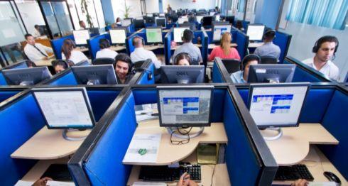 La tercerización de servicios implica que las empresas no paguen todas las prestaciones a los trabajadores, subcontratando a otras empresas. LA PRENSA/ Tomada de Internet
