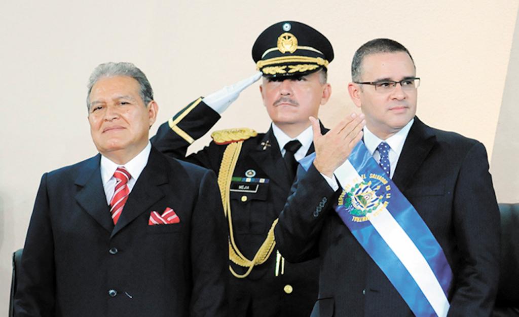 Mauricio Funes y Salvador Sánchez Cerén, cuando asumieron el poder en El Salvador. LA PRENSA/ ARCHIVO