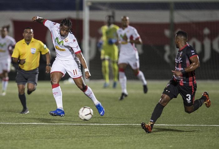 El Real Estelí dominó el partido pero igual no pudo anotar ante el Walter Ferretti, este sábado en el Estadio Nacional de Futbol. LA PRENSA/OSCAR NAVARRETE