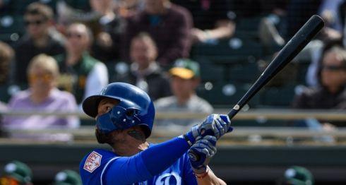 Cheslor Cuthbert disparó su primer hit y empujó dos carreras en Spring Training 2019, con los Royals de Kansas City en Arizona. LA PRENSA/Jennifer Stewart/Getty Images/AFP