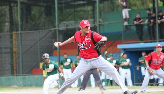Joaquín Acuña llevó a León a la victoria frente a Matagalpa, para completar la barrida de tres partidos en el Campeonato Nacional de Beisbol Superior. LA PRENSA/ARCHIVO/L.E. MARTÍNEZ