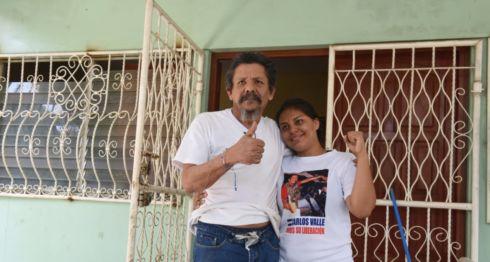 Elsa Valle, Carlos Valle