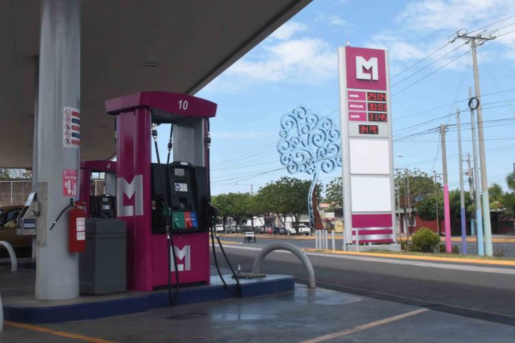 Esta es la nueva imagen de la estación de servicios de Las Mercedes, donde antes funcionaba DNP. LA PRENSA /Roberto Fonseca