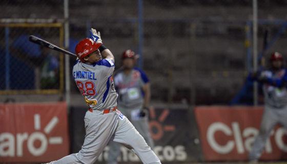 Edgard Montiel lleva nueve jonrones con el Bóer en la actual campaña del Campeonato Nacional de Beisbol Superior. LA PRENSA/ARCHIVO/JADER FLORES