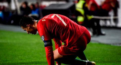 Cristiano Ronaldo salió a los 30 minutos del partido entre Portugal y Serbia del lunes, correspondiente a la eliminatoria para la Eurocopa 2020. LA PRENSA/AFP/PATRICIA DE MELO MOREIRA