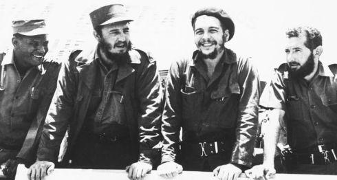 """Fidel Castro y Ernesto """"Che"""" Guevara intentaron exportar la revolución a otros países de América Latina.Getty Images"""