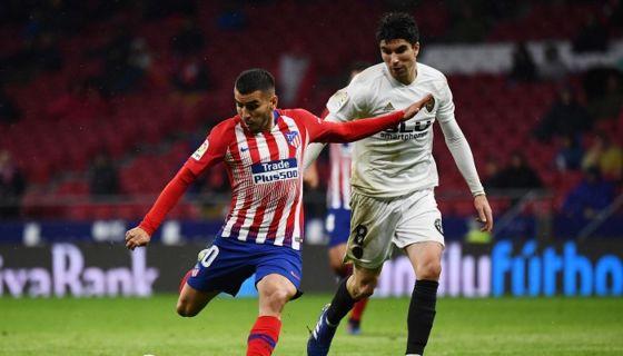 Ángel Correa anotó el gol del triunfo del Atlético de Madrid frente al Valencia, este miércoles en la Liga española. LA PRENSA/AFP/GABRIEL BOUYS