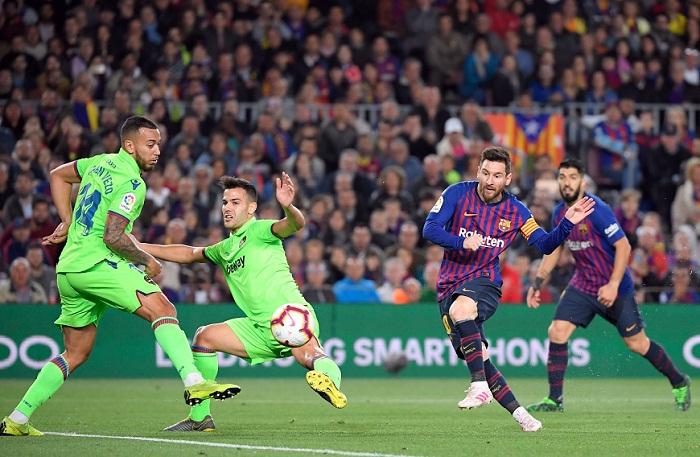 Lionel Messi anotó el gol con el que el Barcelona venció al Levante este sábado. LA PRENSA/AFP