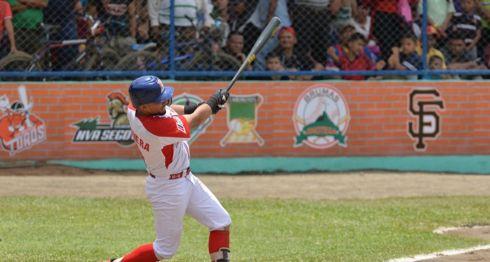 Bismarck Rivera llegó a 26 partidos consecutivos dando de hit, en el triunfo del Bóer sobre el San Fernando este domingo en Tipitapa. LA PRENSA/JADER FLORES