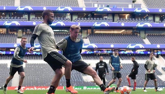 El Tottenham llega al partido de ida contra el Ajax con importantes bajas, pero no pierden la esperanza. LA PRENSA/AFP/EMMANUEL DUNAND