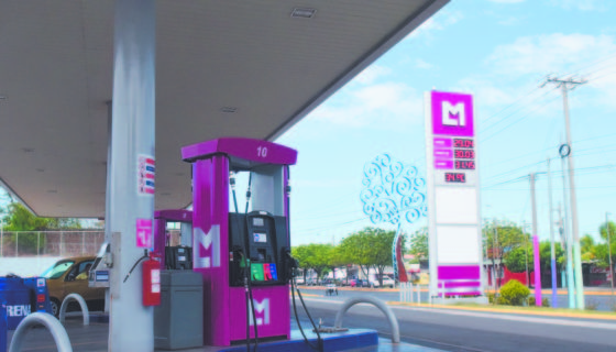 En un intento desesperado por frenar las campañas de boicot, las gasolineras Petronic han cambiado de imagen. LAPRENSA.RobertoFonseca