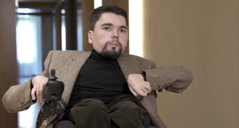 Alexander Gorbunov -más conocido como StalinGulag- creó su popular cuenta en 2013.BBC