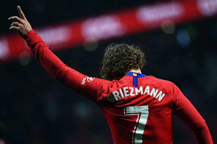 El francés Antoine Griezmann decidió poner fin a su contrato con el Atlético de Madrid, con el que tenía todavía un año más por jugar. LA PRENSA/AFP/GABRIEL BOUYS