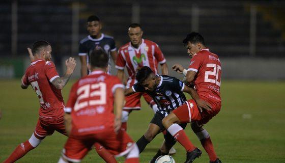 El Real Estelí disputará una final más, la del Torneo de Clausura de la Liga Primera 2018-2019, tras superar al Diriangén en la semifinal con marcador global de 3-1. LA PRENSA/JADER FLORES