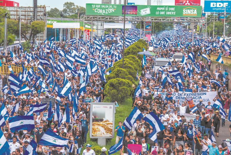 Miles de nicaragüenses acompañaron a las madres de las víctimas tras la represión que perpetró la Policía Orteguista desde el 18 de abril de 2018. LA PRENSA/Archivo