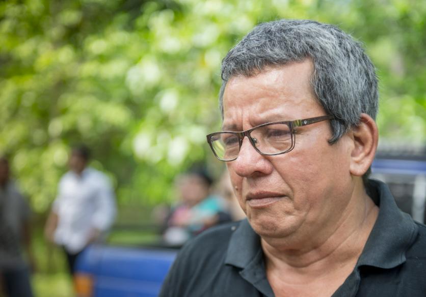 Cándido Reyes, trabajador del Estado encontró a el cuerpo de su hijo en Medicina Legal. Había sido reportado desaparecido el 30 de mayo. Su cuerpo presentaba un impacto de bala. LA PRENSA/Archivo