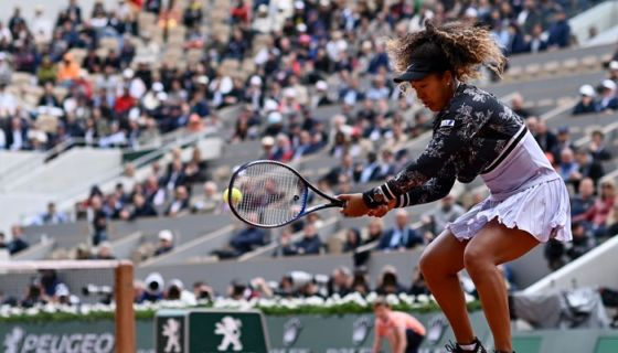 La japonesa Naomi Osaka derrotó a la eslovaca Anna Karolina Schmiedlova en la primera ronda del Roland Garros. LA PRENSA/AFP/Philippe LOPEZ