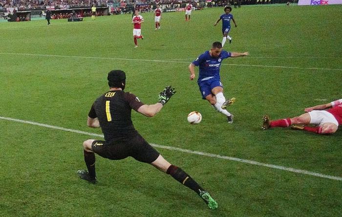 Eden Hazard anotó par de goles, en el triunfo del Chelsea 4-1 frente al Arsenal, este miércoles en la final de la Europa League. LA PRENSA/AFP / POOL / PAWEL KOPCZYNSKI