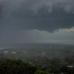 Combinación de bajas y altas presiones provocan lluvias y nublados en Nicaragua