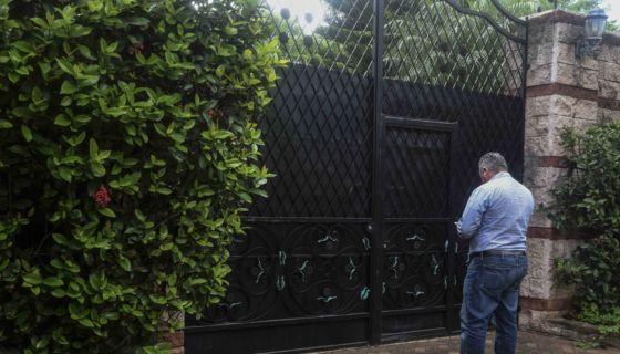 La casa de ia opositora Irlanda Jerez, continúa tomada por hombres armados