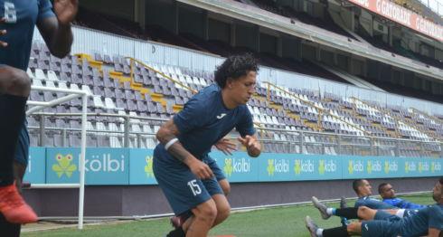 Byron Bonilla este sábado con la Selección Nacional en un entrenamiento previo al inicio de la Copa de Oro este domingo. LA PRENSA/German García