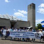 Madres de presos políticos abandonan Catedral de Managua por asalto de turbas orteguistas