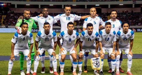 La Selección de Futbol de Nicaragua salió goleada por Costa Rica en su primer partido de la Copa Oro 2019, este domingo en San José. LA PRENSA/AFP/Ezequiel BECERRA