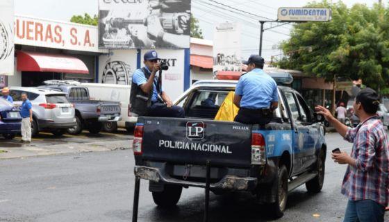 policía, presos políticos