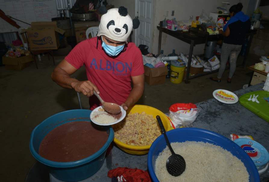 También en el tercer piso se almacenaron los alimentos y donaciones que recibieron los estudiantes. LA PRENSA/Archivo