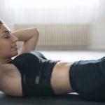 ¿Es aconsejable hacer abdominales como los «influencers» de Instagram?