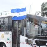 Dictadura ahora pretende adueñarse de la bandera azul y blanco, después de criminalizar su uso