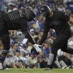 Yanquis golpean a los Dodgers en duelo de gigantes