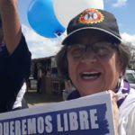 Policía Orteguista secuestra a seis mujeres que pegaban calcomanías en Managua