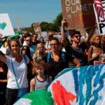 Miles de jóvenes se movilizan en masa a nivel mundial contra el cambio climático