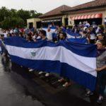 El azul y blanco se impone ante la presencia de la Policía Orteguista