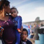 Estados Unidos y El Salvador firman pacto para «minimizar» la migración irregular a EE.UU.