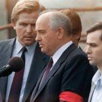 «Las actividades militares actuales tienen las características de una verdadera guerra», alerta Gorbachov en su nuevo libro
